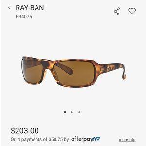 Ray-Ban RB4075